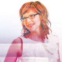 An Evening with Lisa Loeb