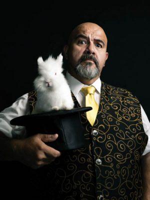The Comedy Magic of Oscar Muñoz