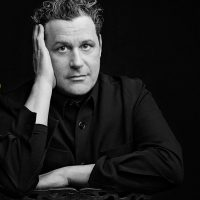 Isaac Mizrahi: Does this Song Make me Look Fat?